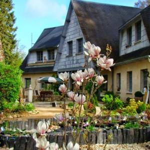 """Exposition à la maison d'hôtes """"Le Jardin de Saint Jean"""" à Saint-Jean aux Bois"""