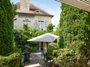exposition de Coraline Van Butsele au restaurant les ruines à la ferté milon dans l'aisne